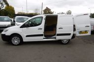 CITROEN BERLINGO 850 ENTERPRISE 3-SEAT L1 1.6 HDI 90 IN WHITE 1 OWNER WITH AIR CONDITIONING ONLY £5495 + VAT  - 913 - 9