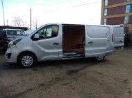 VAUXHALL VIVARO 2900 L2H1 LWB CDTI SPORTIVE IN SILVER WITH AIR CONDITIONING,PARKING SENSORS,ELECTRIC PACK AND MORE *** SOLD *** - 1335 - 7