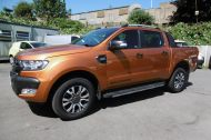 FORD RANGER WILDTRAK 4X4 DCB 3.2 TDCI 200 PS AUTOMATIC , WITH SAT NAV , HALF LEATHER IN ORANGE WITH ONLY 18000 MILES AND MORE ****  £21995 + VAT **** - 1142 - 1