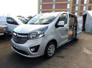 VAUXHALL VIVARO 2900 L2H1 LWB CDTI SPORTIVE IN SILVER WITH AIR CONDITIONING,PARKING SENSORS,ELECTRIC PACK AND MORE *** SOLD *** - 1335 - 8
