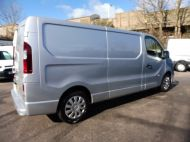 VAUXHALL VIVARO 2900 L2H1 LWB CDTI SPORTIVE IN SILVER WITH AIR CONDITIONING,PARKING SENSORS,ELECTRIC PACK AND MORE *** SOLD *** - 1335 - 4