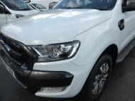 FORD RANGER WILDTRAK 4X4 3.2 TDCI 200 AUTOMATIC DOUBLE CAB  ** EURO 6 **IN WHITE WITH ONLY 26000 MILES **** £22995 + VAT **** - 1575 - 5