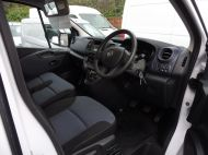 VAUXHALL VIVARO 2900 L1 SWB WITH ONLY 53.000 MILES,AIR CONDITIONING,SENSORS,ELECTRIC PACK,RACKING AND MORE  - 1586 - 9